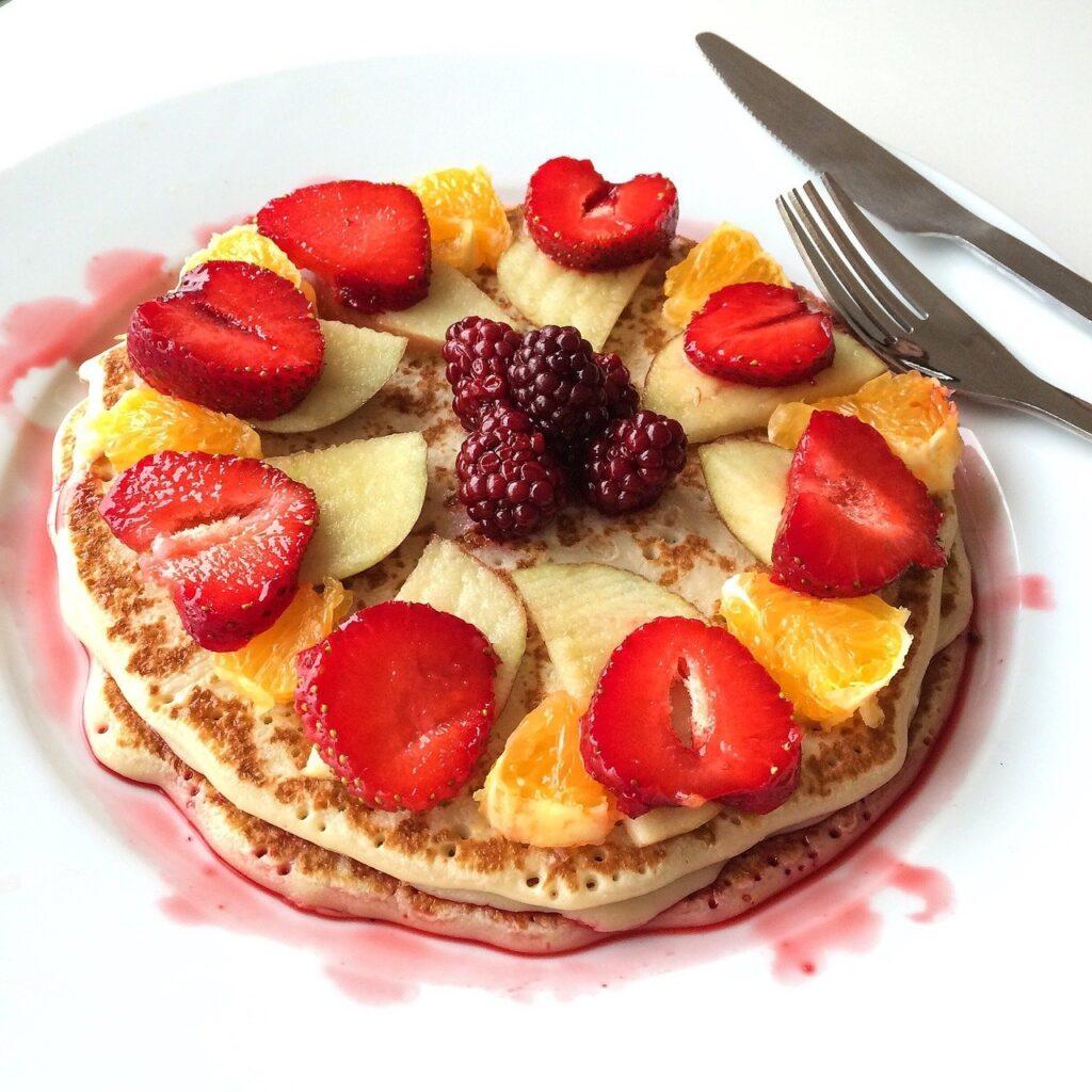 pancake, mat, strawberries-824610.jpg
